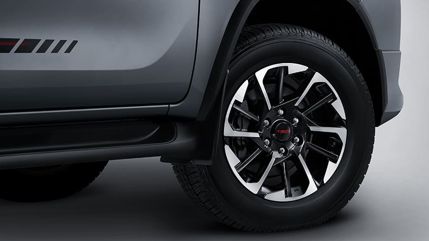 Mâm xe TRD 18 inch của Toyota Fortuner