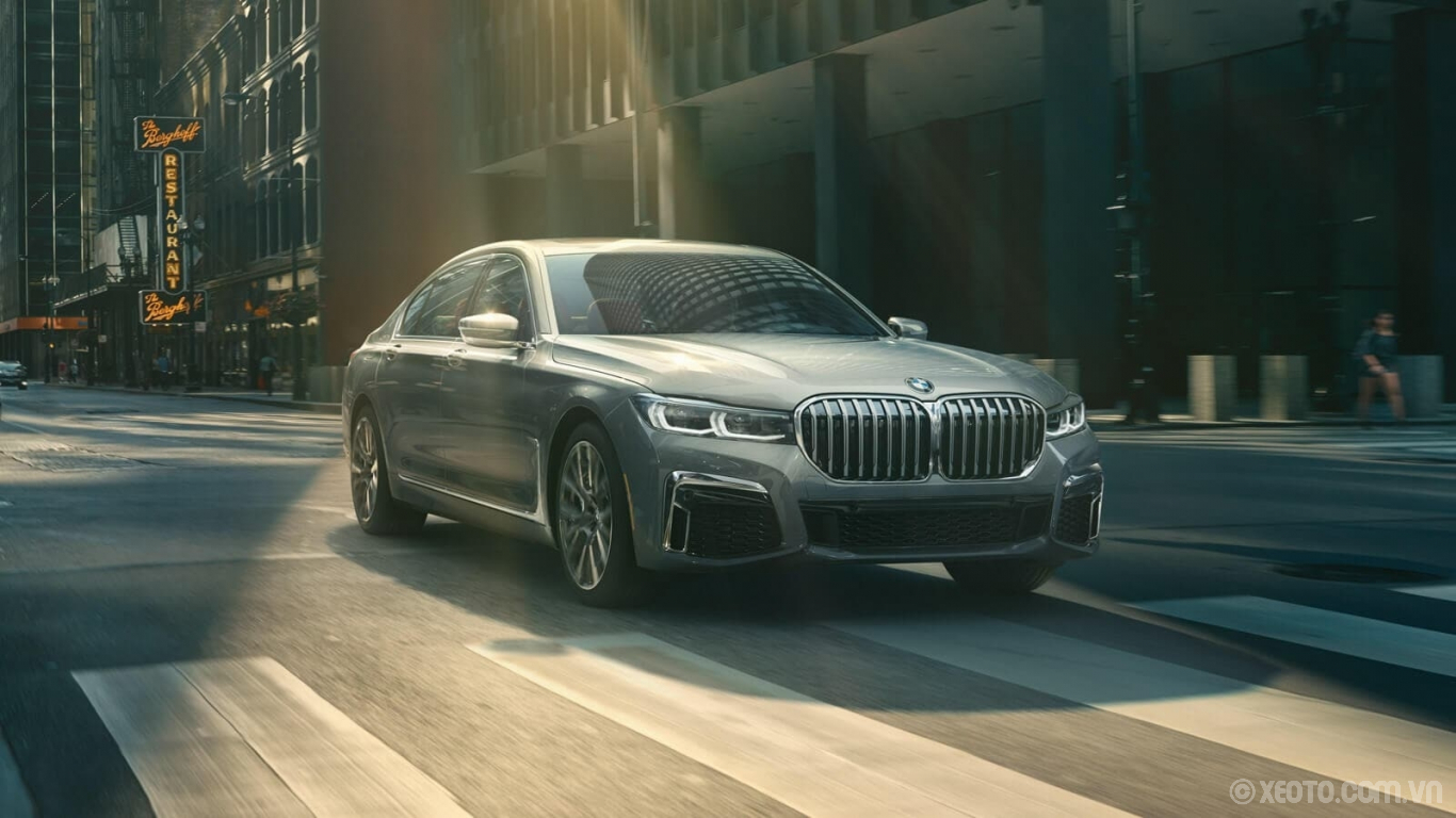 BMW 740Li 2020 hình ảnh ngoại thất From city streets to spacious highways, The 7 is the epitome of modern luxury style.