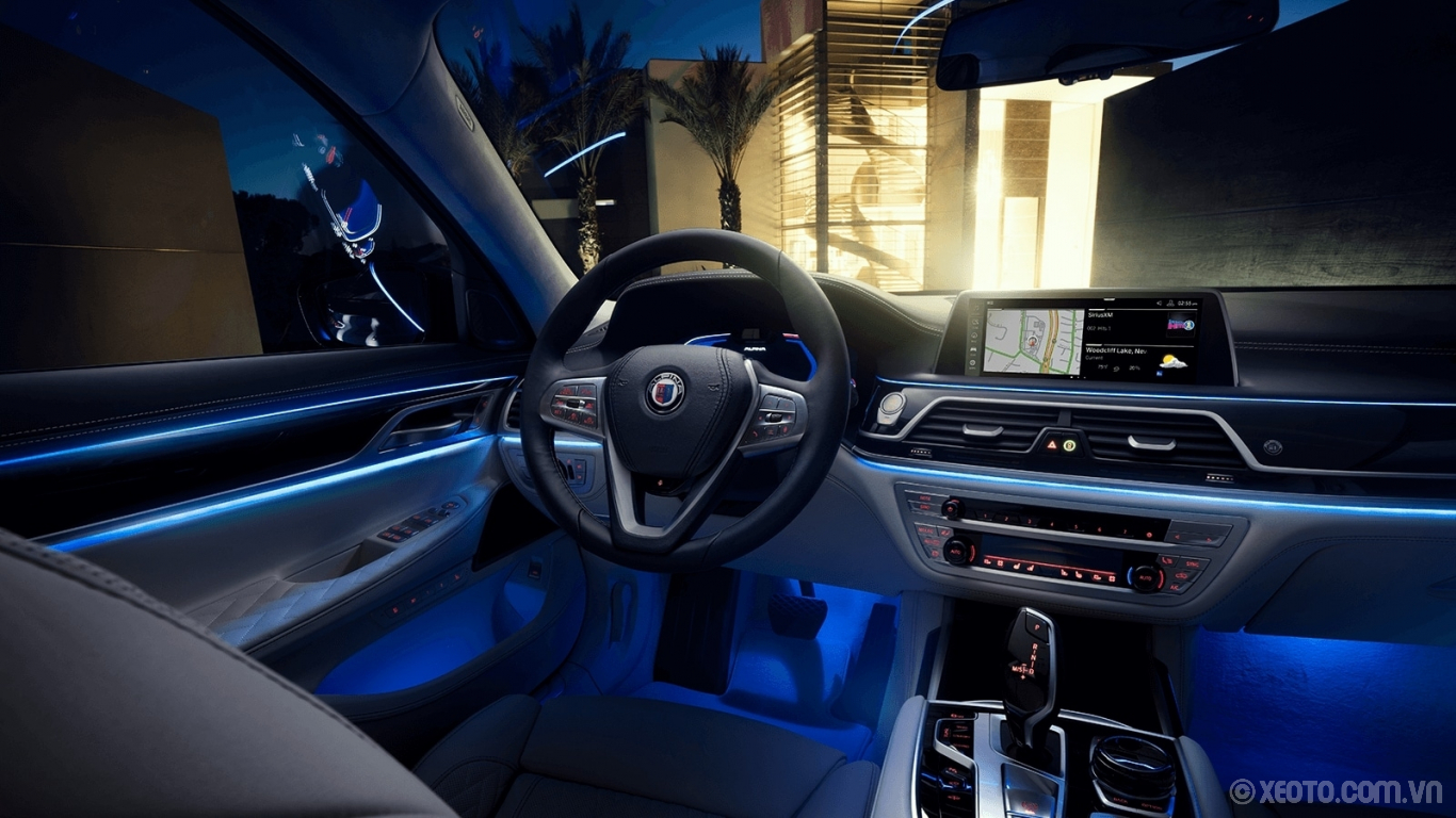 BMW 750Li 2020 hình ảnh nội thất Specific digital displays and badging are part of the otherworldly ambiance of the luxurious ALPINA B7 interior.