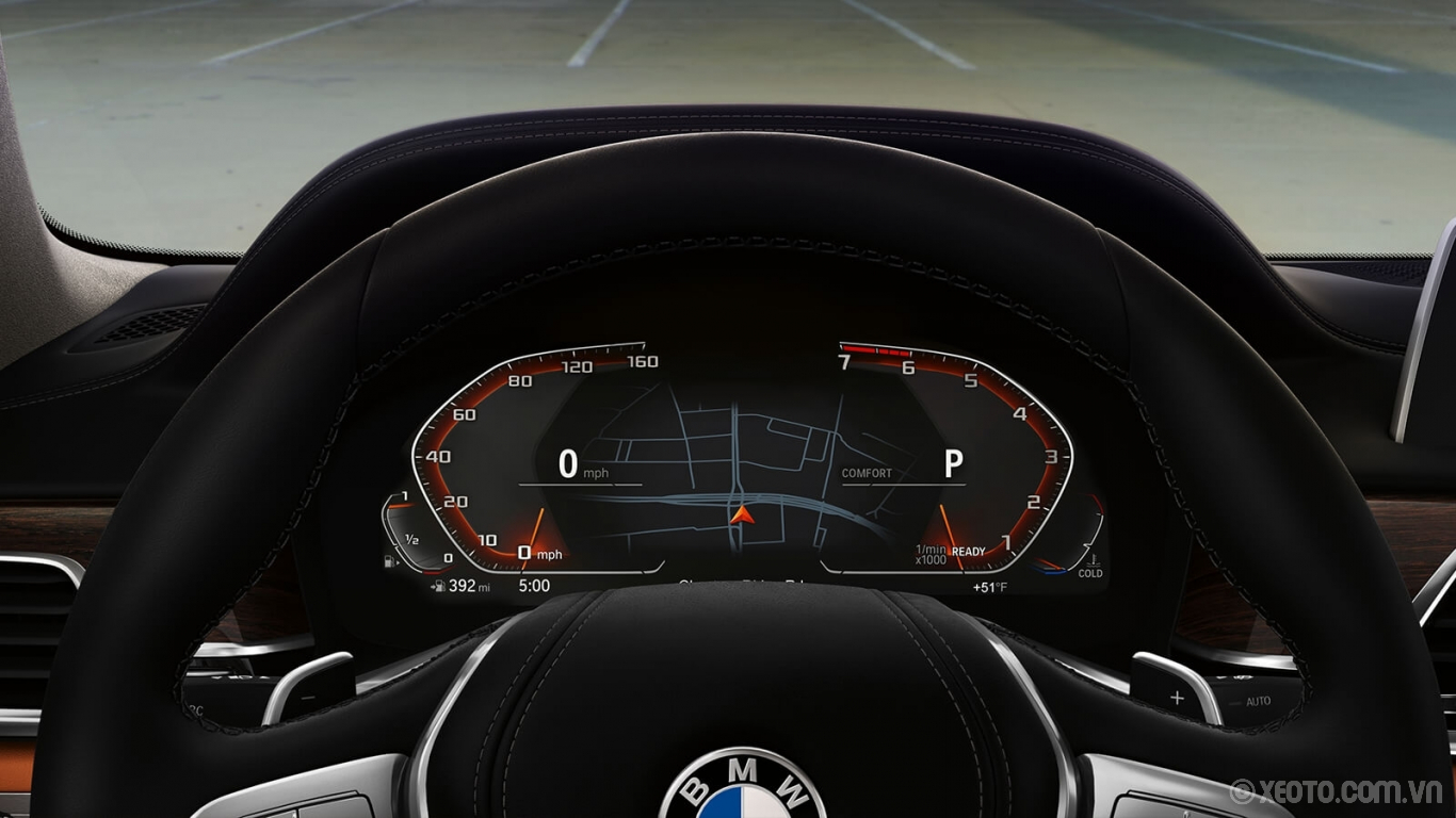 BMW 750Li 2020 hình ảnh nội thất The sleek Digital Instrument Cluster shows music, directions and more on a display that changes to match your drive mode.