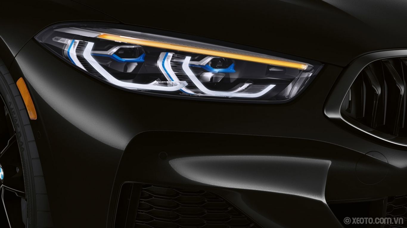 BMW 840i 2021 hình ảnh ngoại thất A closer look at the hexagonal Icon Adaptive LED Headlights with Laserlight on the BMW 8 Series Gran Coupe – slim, sleek, and precise.