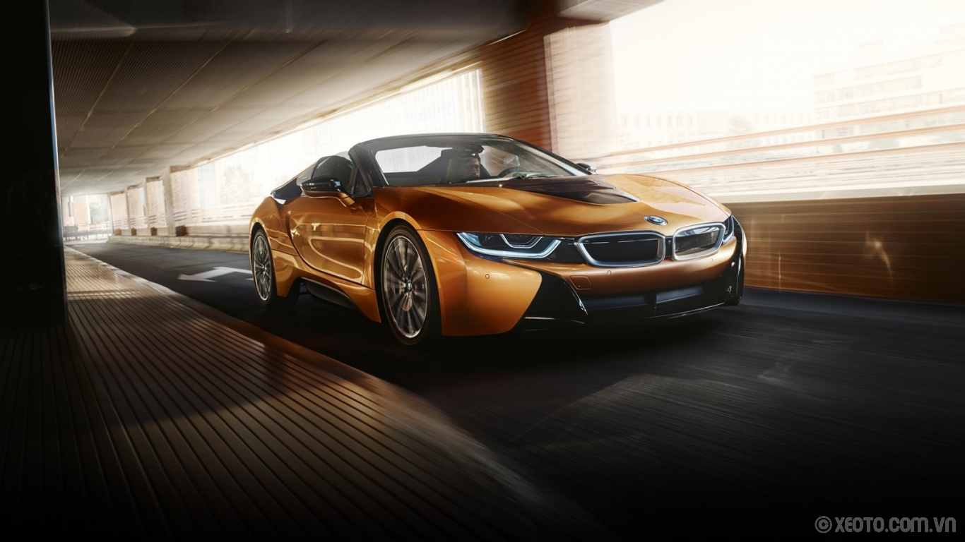 BMW i8 2020 hình ảnh ngoại thất The BMW i8 Roadster, daring and defiant in E-Copper with Frozen Grey Accent.