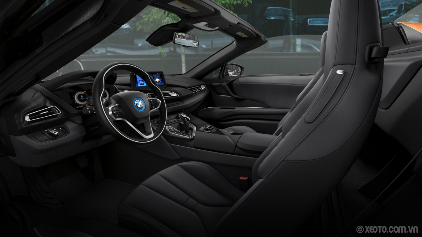 BMW i8 2020 hình ảnh nội thất The i8 models' engaging interior design is accentuated by the standard Carbon Fiber Interior Trim.