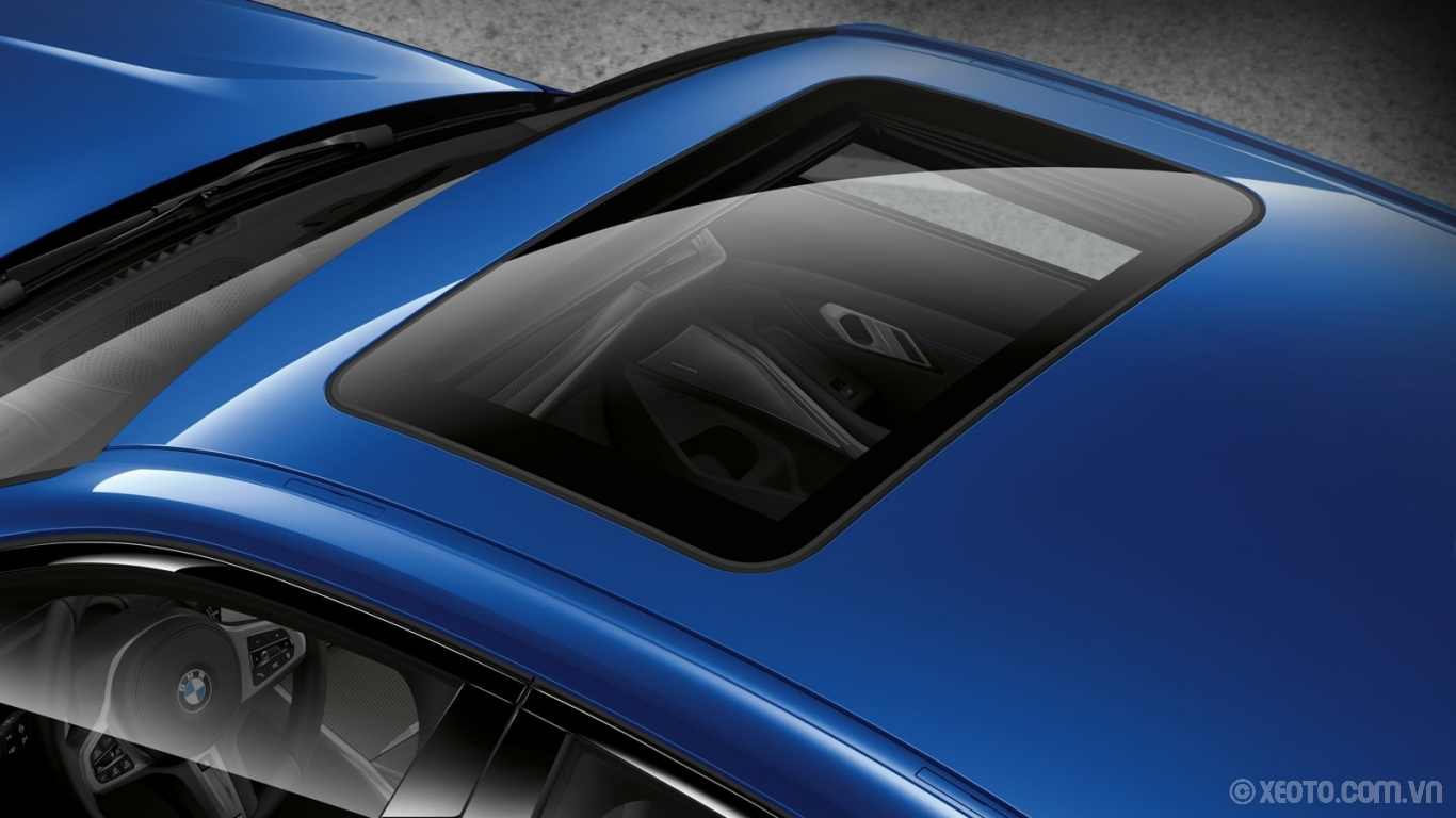 BMW M3 2020 hình ảnh ngoại thất Feel the thrills of open-air freedom with the Panoramic Moonroof on the BMW 3 Series Sedan.