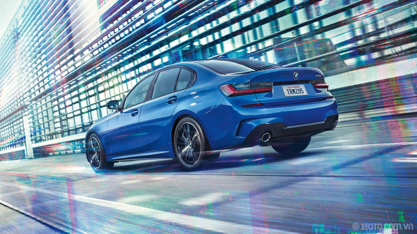 BMW M3 2020 hình ảnh ngoại thất Put your mind at ease with the BMW 3 Series Sedan's intelligent technology, like standard Lane Departure Warning, Active Protection, Active Guard, and more.