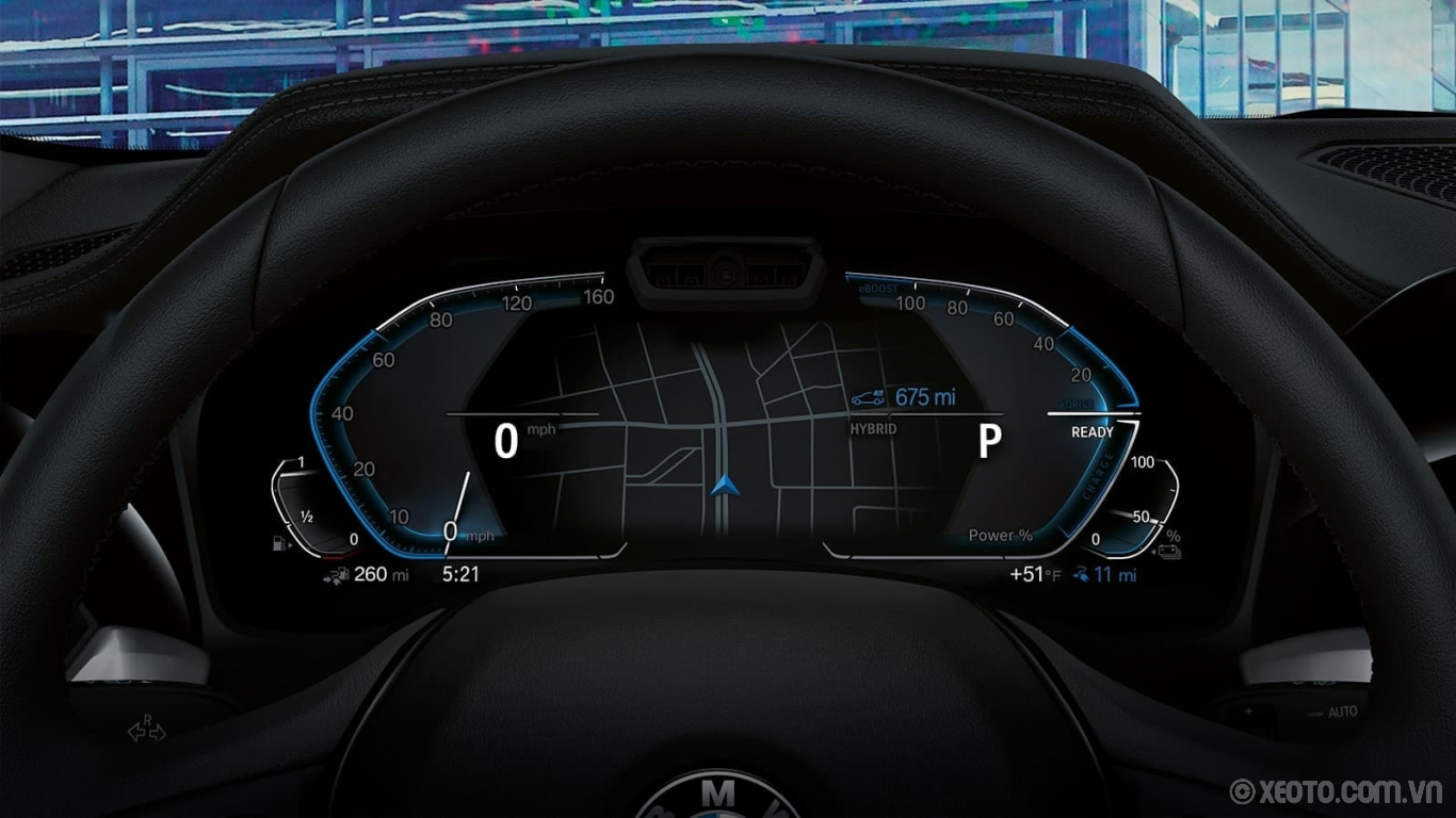 BMW M3 2020 hình ảnh nội thất Innovative and informative – the hybrid-specific instrument cluster displays electric motor output, charge status, and full-electric or combined driving ranges.