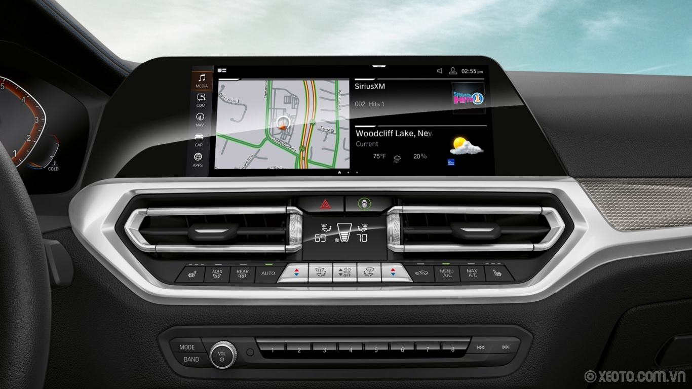 "BMW M3 2020 hình ảnh nội thất The optional iDrive 7.0 Operating System can be controlled from the 10.25"" touchscreen display."