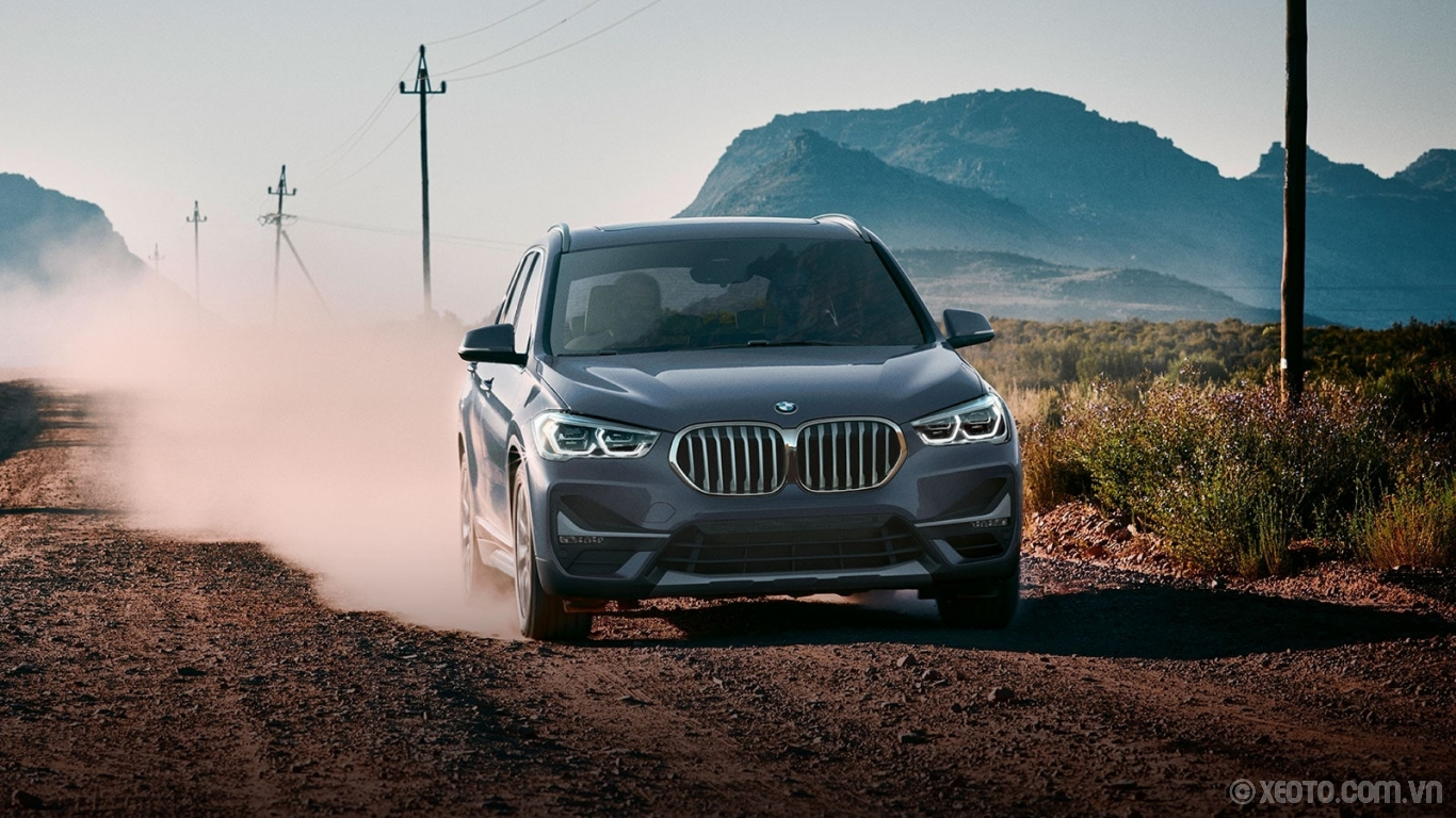 BMW X1 2020 hình ảnh ngoại thất The intrepid spirit of the 2020 BMW X1 is explicit through the larger kidney grille, with bars that visibly stand out from the frame.