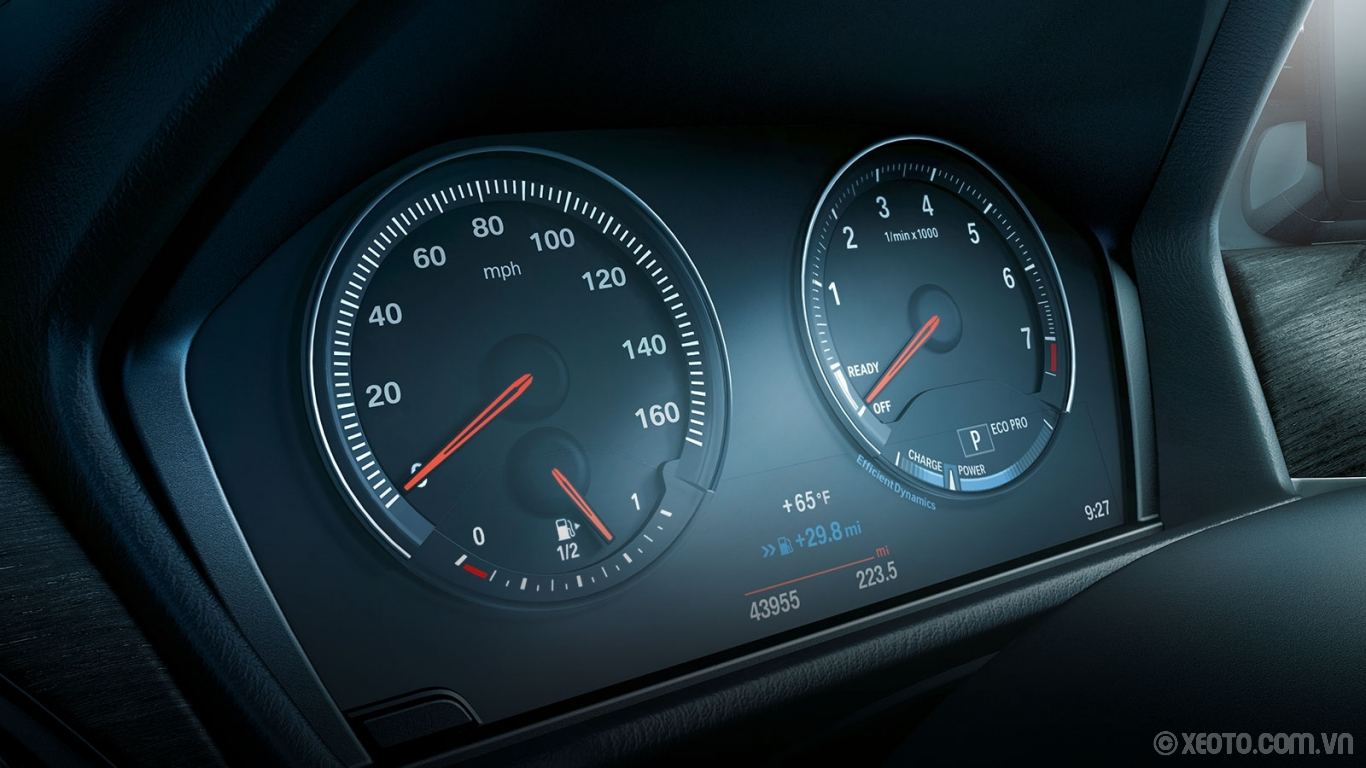 BMW X1 2020 hình ảnh nội thất The standard Black Panel Instrument Cluster marries essential driving information with an interactive design.