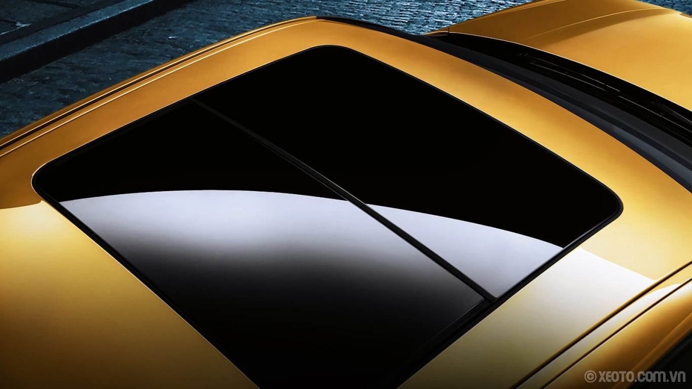 BMW X2 2020 hình ảnh ngoại thất An optional Panoramic Moonroof allows driver and passengers in the BMW X2 to enjoy natural lighting.