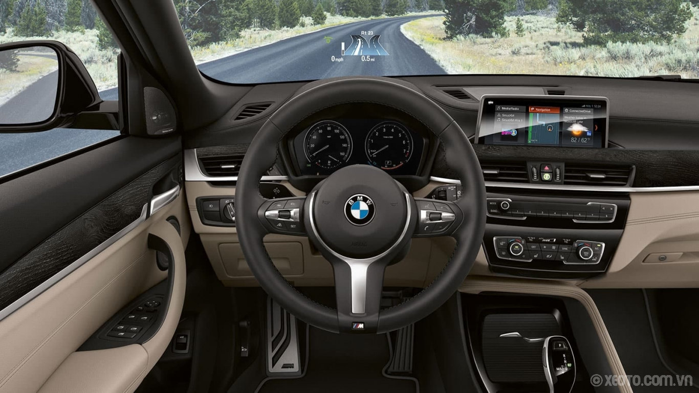 BMW X2 2020 hình ảnh nội thất The optional Head-Up Display, available with the Premium Package, projects driving data right in your line of sight.