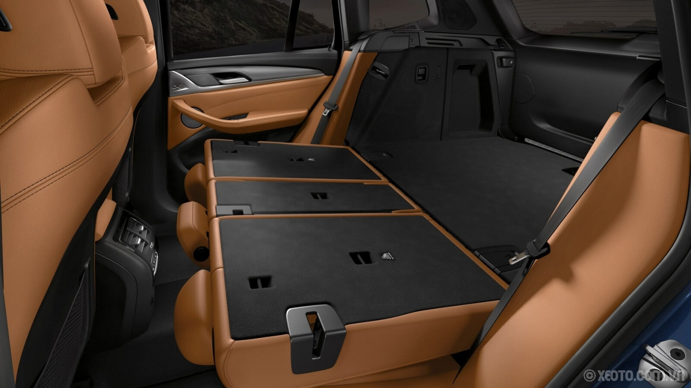 BMW X3 2020 hình ảnh nội thất Take it to go. The BMW X3's 40/20/40 split folding rear seats let you custom-configure rear storage.