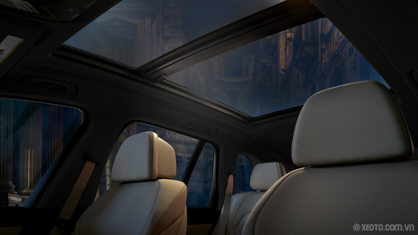 BMW X5 2020 hình ảnh nội thất Sun, stars, or streetlights? The enlarged Panoramic Moonroof bathes the interior of your BMW X5 in exterior light.