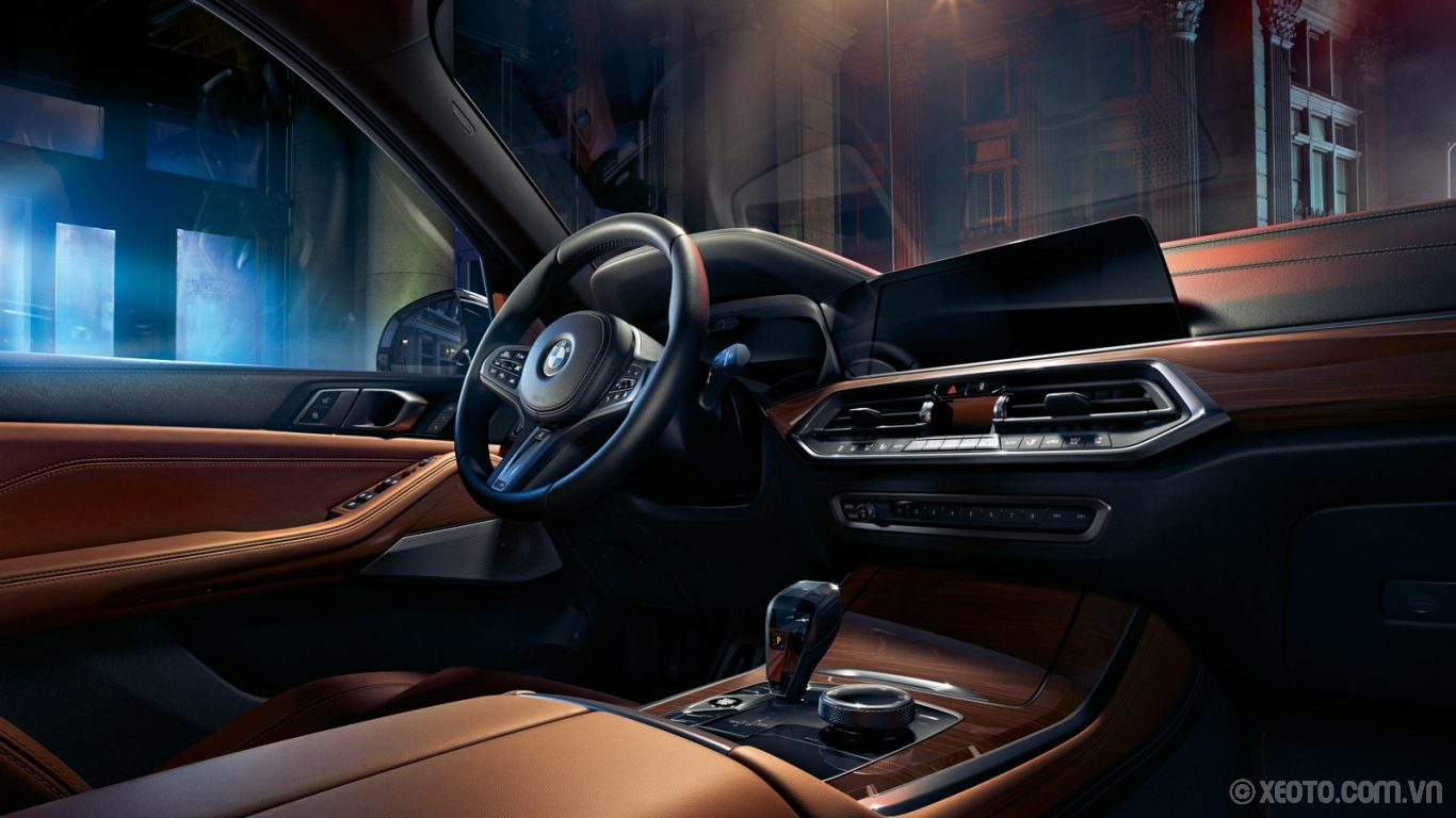 BMW X5 2020 hình ảnh nội thất With its driver-oriented controls, roomy spaciousness, and customizable options to suit any taste, this interior is all about you.
