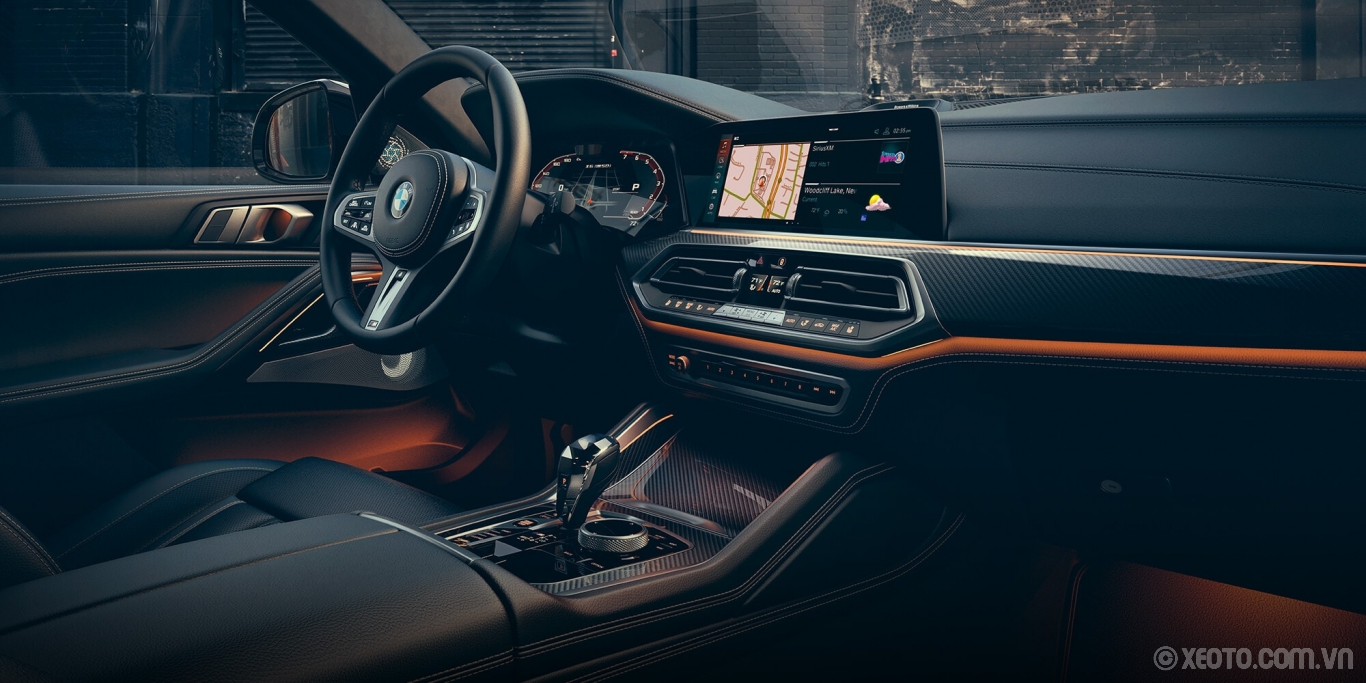 BMW X6 2020 hình ảnh nội thất Driver-oriented controls, spacious luxury, and customizable options put you at the center of your experience.